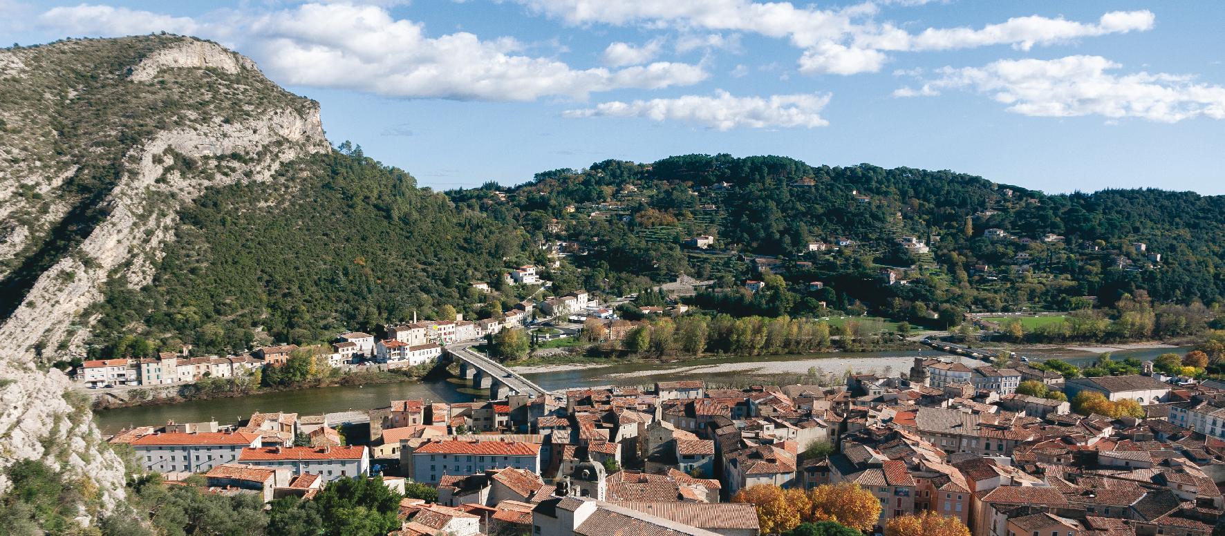 Vue du village d'Anduze depuis Saint-Julien